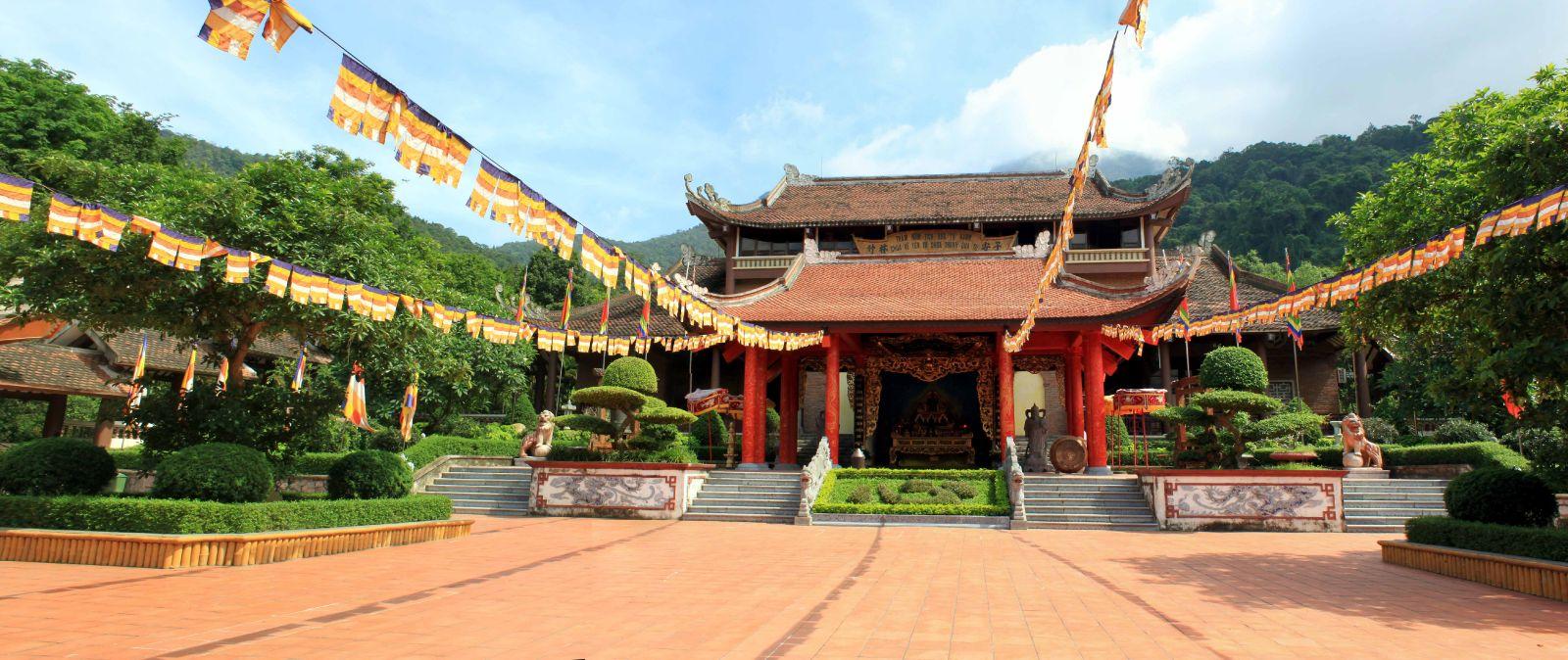 Những điểm du lịch tâm linh nổi tiếng ở Quảng Ninh
