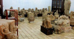 Mở cửa kho cổ vật Chàm ở bảo tàng cổ vật Cung Đình Huế