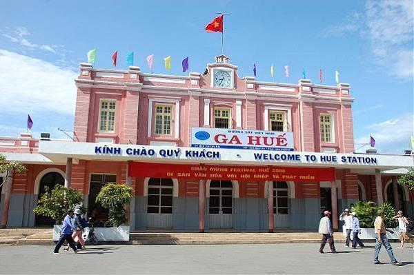 Dịch vu cho thue xe du lịch đón tiễn ga Huế