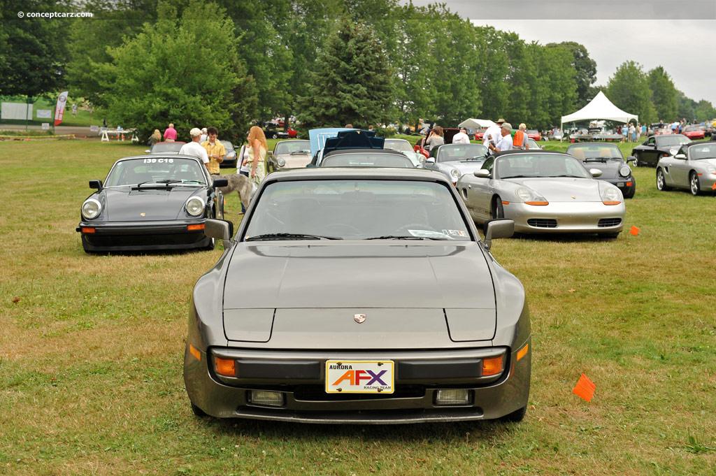 Xe cổ Porsche 944 xuất hiện tại HCM