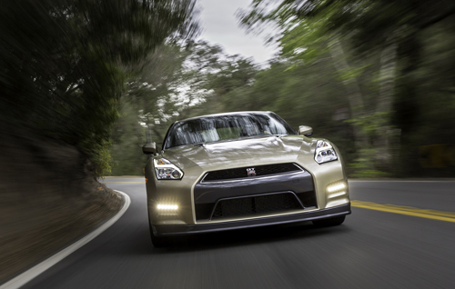 Nissan-GT-R-2016-Gold-5-2484-1430801094