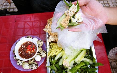 Bánh tráng chấm mắm ruốc ở Phan Thiết cho người mê ăn vặt
