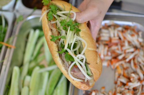 Địa chỉ bán bánh mì có tiếng ở Hà Nội