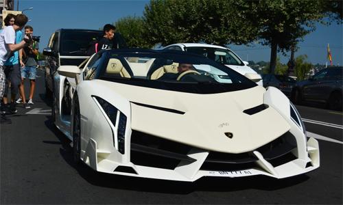 Lamborghini Veneno Roadster trắng – 'quái thú' siêu hiếm