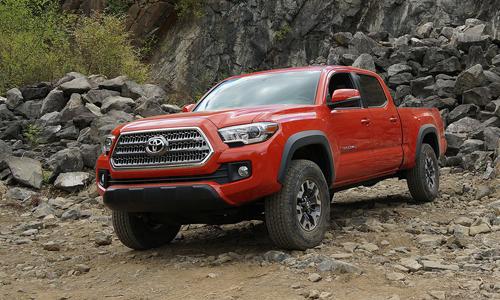 Toyota Tacoma 2016 giá là từ 23.300 USD tại Mỹ