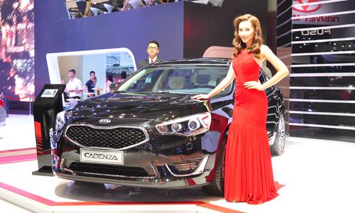 Kia giới thiệu Cadenza tại Việt Nam