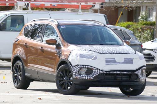 Ford Escape 2017 lộ diện