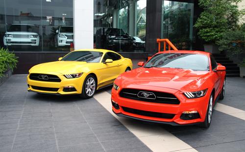 Cặp đôi Mustang kỷ niệm 50 năm đầu tiên về Việt Nam