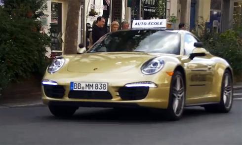 Học viên sốc khi phải tập lái với Porsche 911