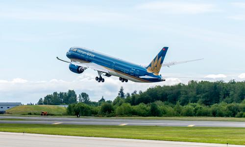 Vé máy bay chặng TP HCM – Kuala Lumpur giá 200.000 đồng