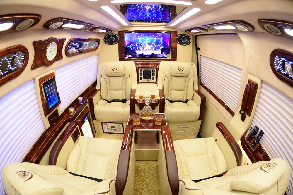 Xe limousine Đà Nẵng Huế hằng ngày