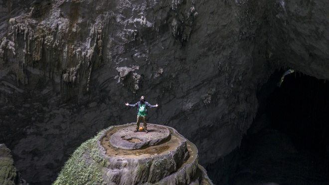 Đạo diễn Kong: Skull Island là người đầu tiên đi xuyên hang Sơn Đoòng