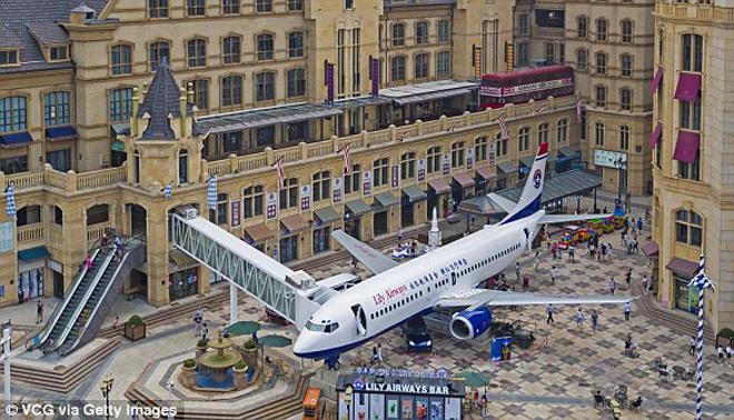 Nhà hàng trên máy bay Lily Airways - Cho thuê xe miền trung