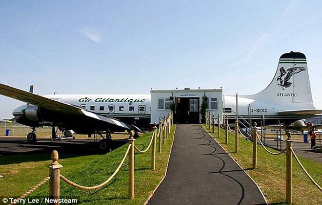 Nhà hàng trên máy bay DC-6 Diner - Cho thuê xe miền trung