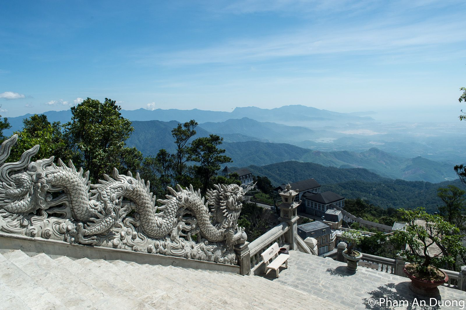 Chùa Linh Ứng Du lịch Bà Nà Hills