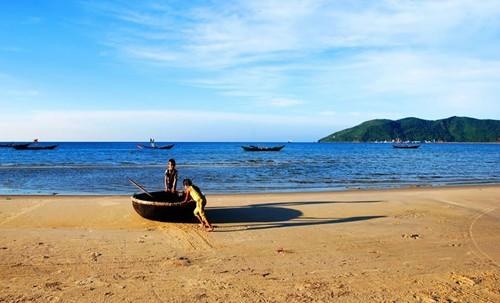 Bãi biển Cảnh Dương - Du lịch Huế
