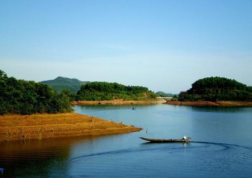 Suối hồ Truồi - Du lịch Huế