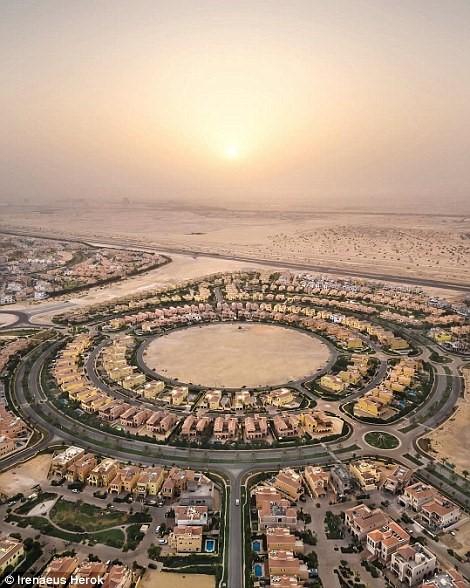 Vẻ tráng lệ của Dubai khi nhìn từ trên không