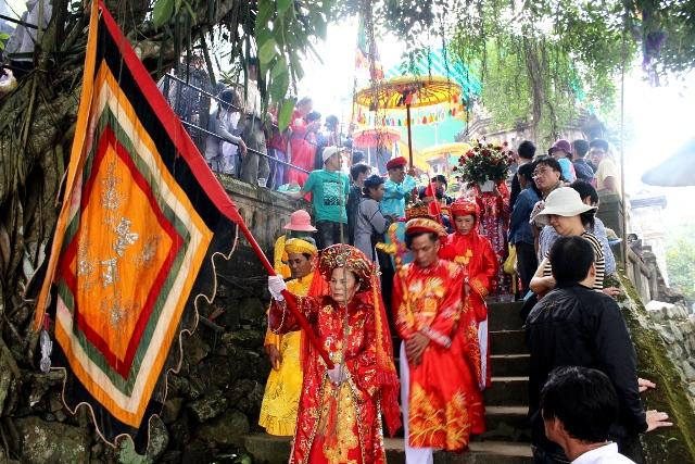 Lễ hội điện Hòn Chén Các lễ hội truyền thống ở Huế