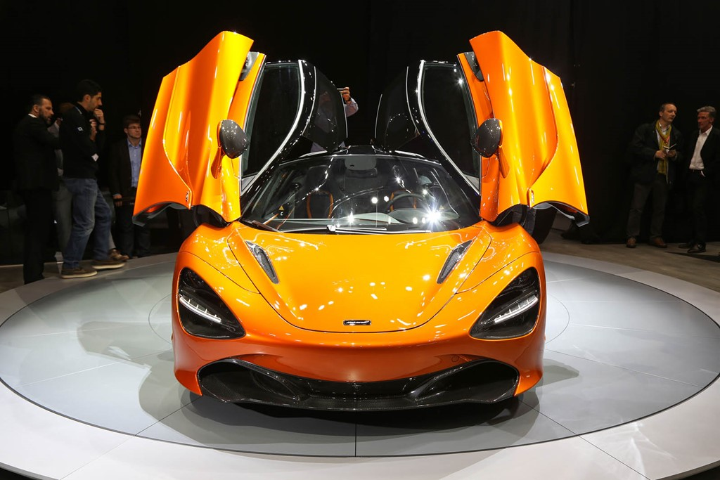 Siêu xe McLaren 720S chính thức ra mắt