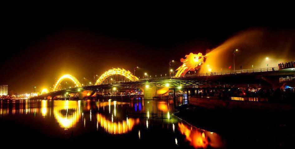 Cầu Rồng phun lửa - Du lịch Đà Nẵng một ngày - Du lich Da Nang 1 ngay