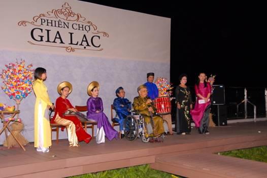Hội chợ Gia Lạc Các lễ hội truyền thống ở Huế
