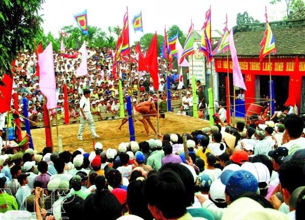 Lễ hội vật Làng Sình Các lễ hội truyền thống ở Huế