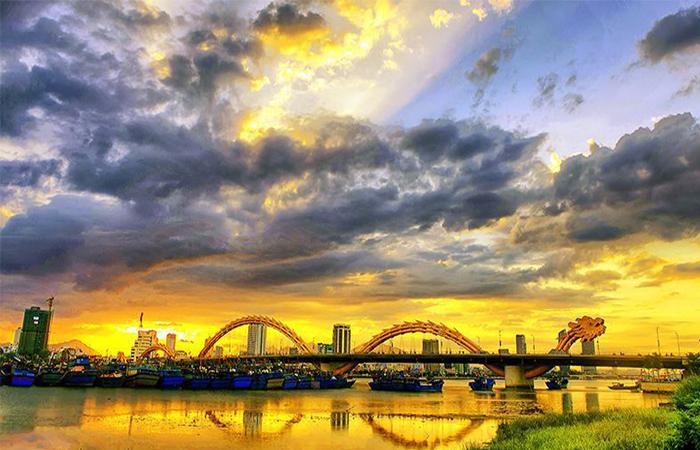 Cầu Rồng phun lửa Du lịch Đà Nẵng