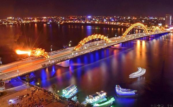 Cầu Rồng phun lửa lúc mấy giờ Cau rong phun lua luc may gio