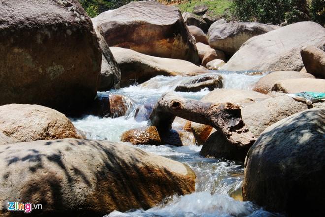 thác Suối Nguồn Du lịch Nha Trang bằng tàu hỏa