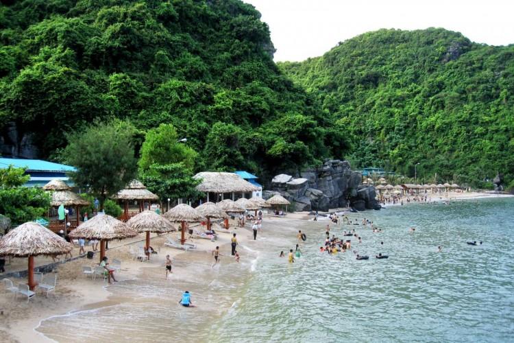 đảo Hoa Lan Du lịch Nha Trang bằng tàu hỏa