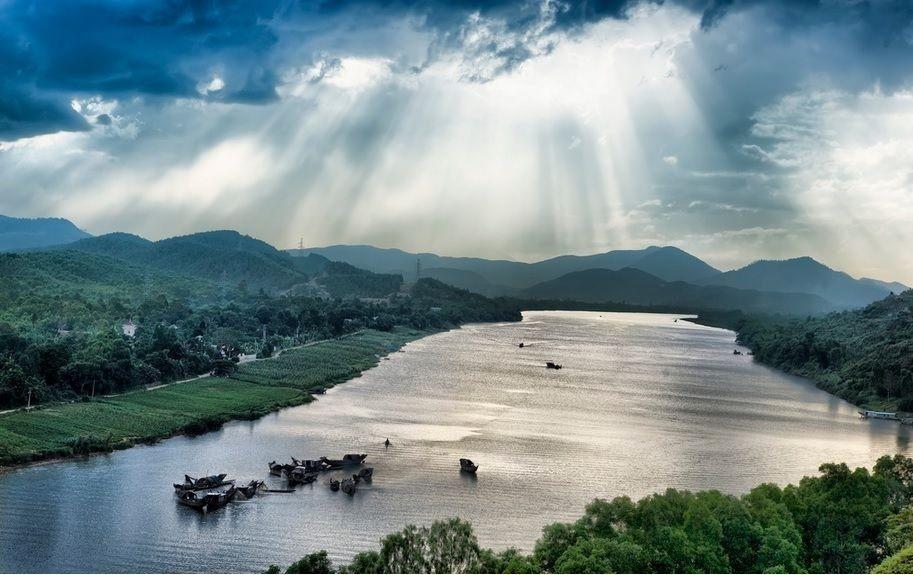 Sông Hương du lịch Huế mùa mưa Du lich Hue mua mua