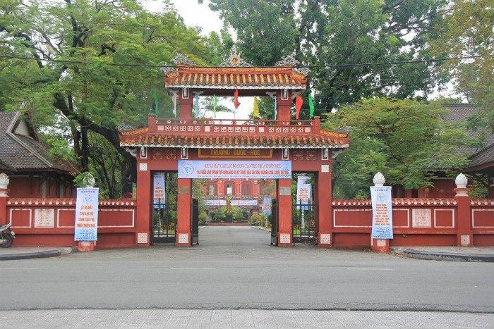 Quốc học HUẾ Du lịch Huế mùa mưa Du lich Hue mua mua