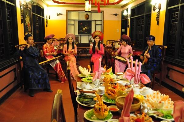 Cơm Cung Đình Quán ăn ngon ở Huế du lich hue