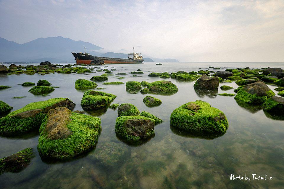 Rạn Nam Ô – Bãi đá rêu xanh đẹp mê hồn tại Đà Nẵng