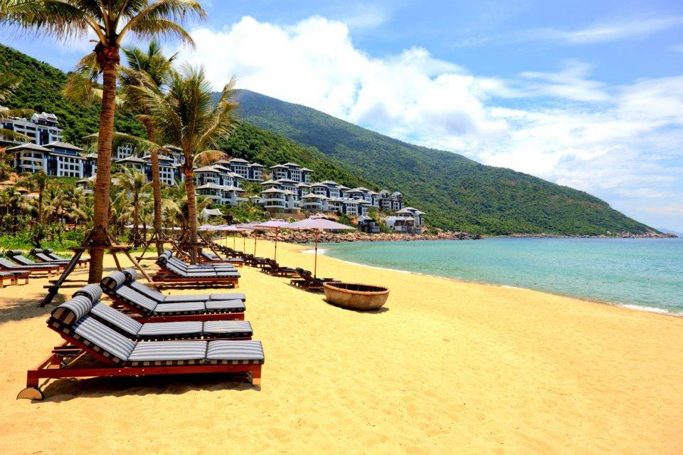 Bãi Bắc Inter Continental Danang Sun Peninsula du lịch Đà Nẵng