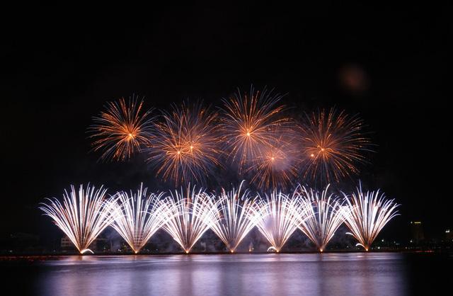 Địa điểm xem pháo hoa Đà Nẵng miễn phí tốt nhất