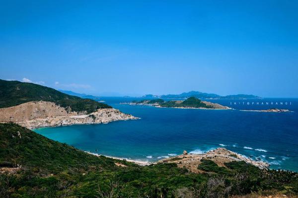 Một ngày du lịch ở vịnh Cam Ranh
