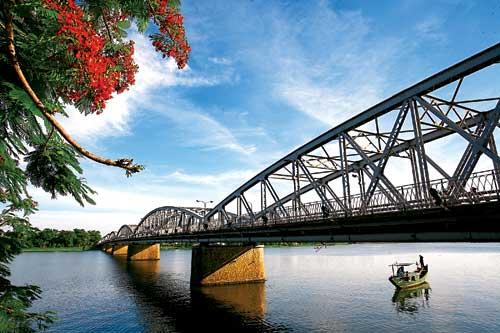 Cầu Trường Tiền – Nét thơ xứ Huế