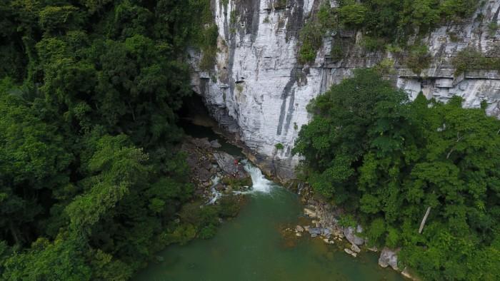 Hang Tú Làn du lịch Quảng Bình