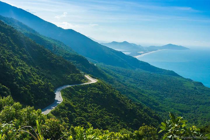 Ghé Đèo Hải Vân – giáp ranh giữa hai vùng đất