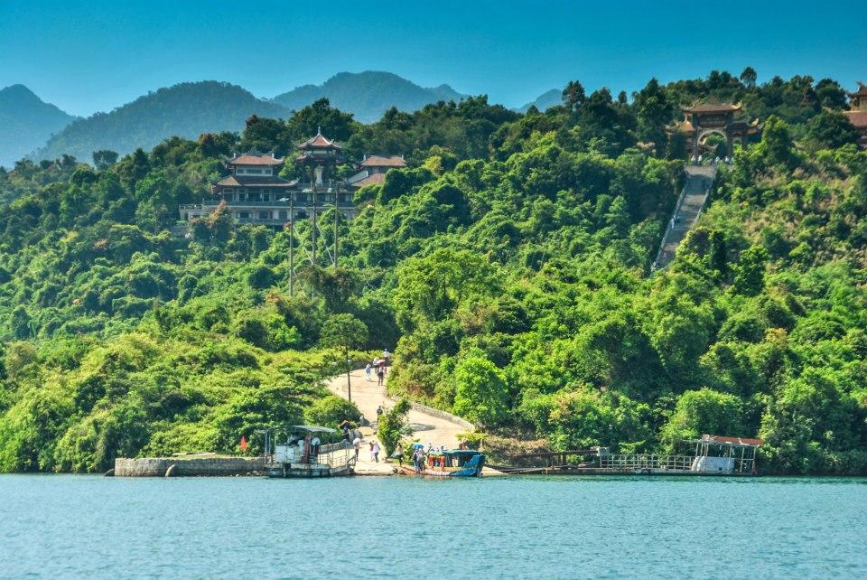 Du lịch Huế mùa hè Hồ Truồi