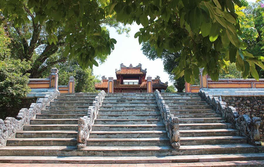 Lăng Gia Long Huế