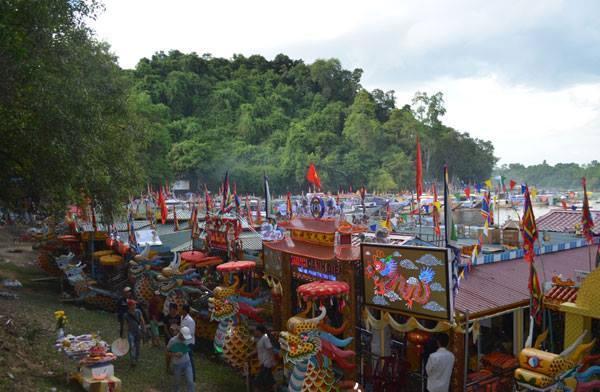 Lễ hội điện hòn chén Huế