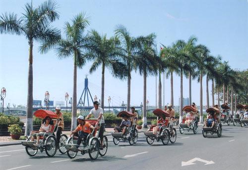 Từ sân bay Đà Nẵng về thành phố bằng xích lô du lịch như thế nào