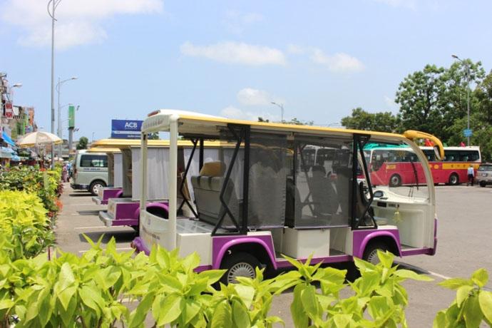 Xe điện du lịch ở Huế