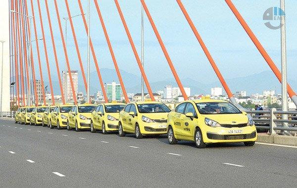 Taxi Đà Nẵng đi lăng cô