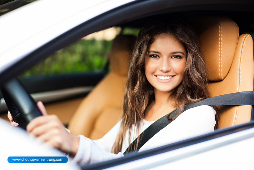Hướng dẫn lái xe ô tô số sàn cơ bản