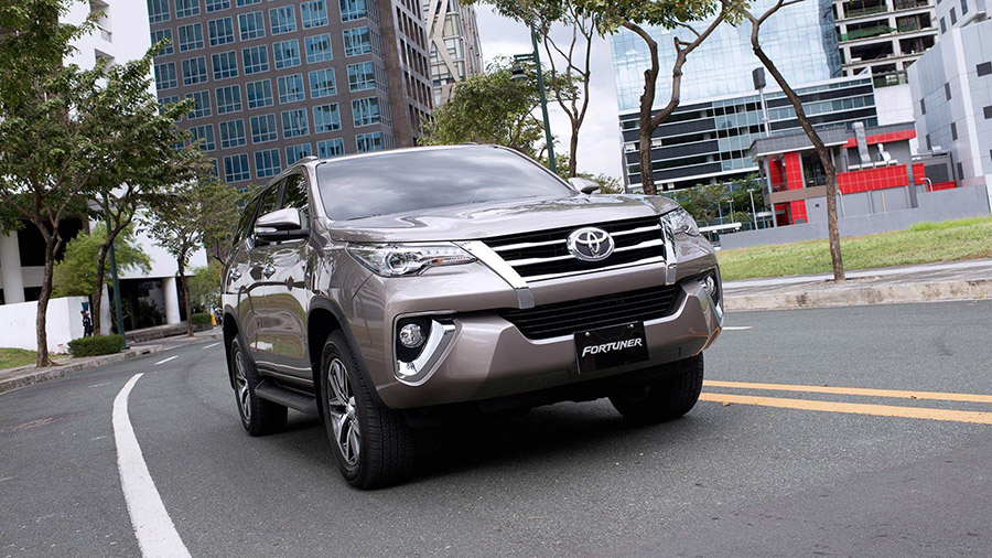 Chờ mua xe ô tô giá rẻ, Toyota fortuner