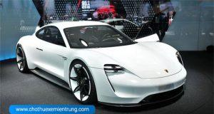 Porsche ra mắt xe mới